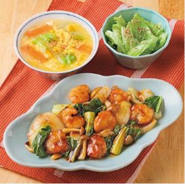 天然えびの黒酢炒め・中華風コーンスープ・レタスのごまナムル