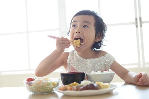 洋食で薄味のメニューが多く、子どもでも食べやすい
